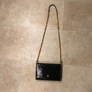 Like new Tory Burch Robinson chain wallet black